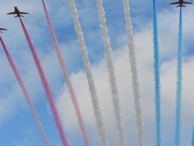 A bit of the Red Arrows