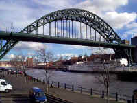 tyne_bridge2_feb_1998.jpg (28143 bytes)